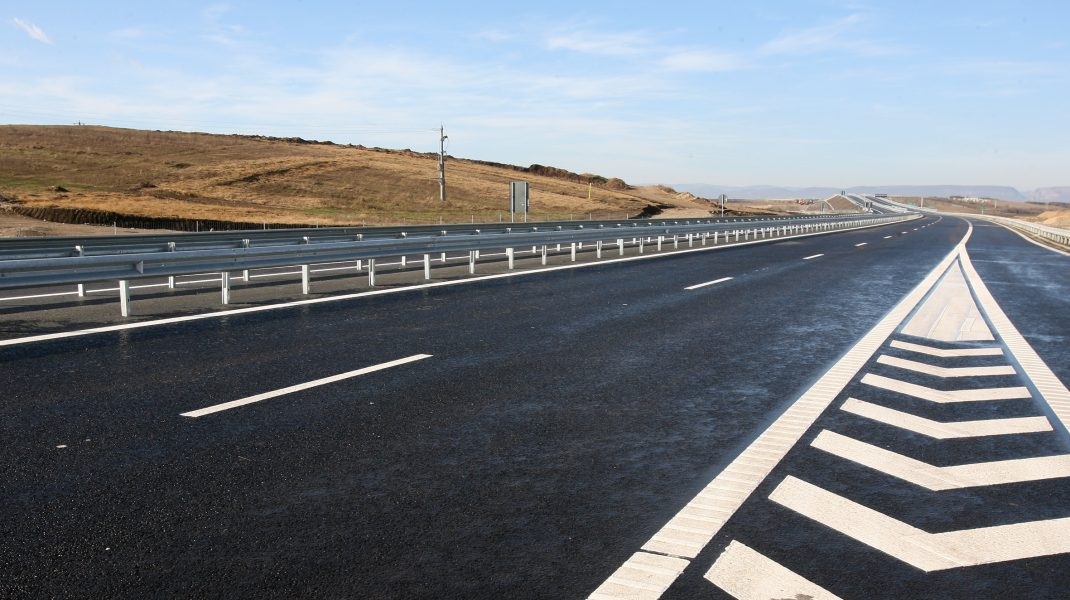 Ministrul Transporturilor a promis 1.000 de kilometri de autostrada