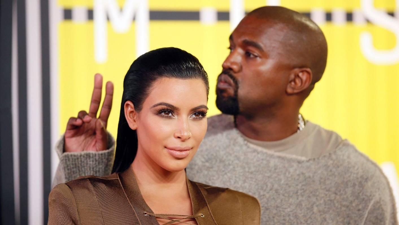 Kim Kardashian si Kanye West divorteaza