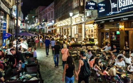Restrictii in Bucuresti - programul mall-uri si teraselor va fi micsorat