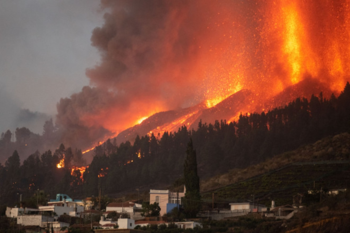 Vulcanul din Canare a erupt dupa 50 de ani